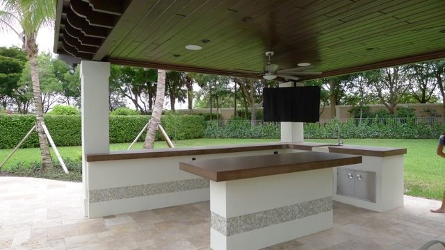 Flat Cabana with Outdoor Bar Florida